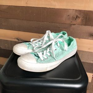 Converse Women's Low Top Teal Shoes size 8